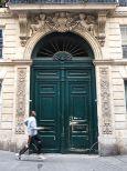 oversized door and passing runner paris