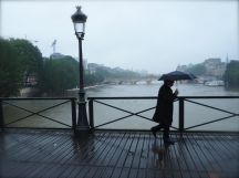 rainy day pont des arts
