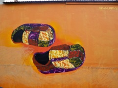 Giant-sized shoes - Inti - Paris 13 - March 2018