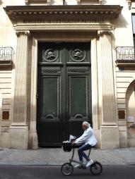 Oversized doors on Rue de Grenelle - April 2017