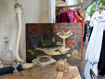 The everyday meets the bizarre on a Parisian brochante stall - May 2018