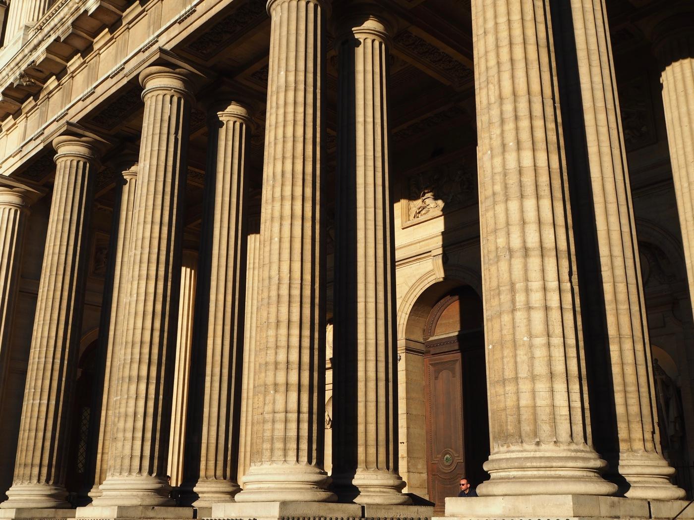 portico église st sulpice paris