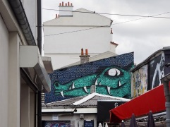 Crocodile teeth in St Ouen...