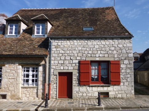 Traditional red in Provins - March 2018