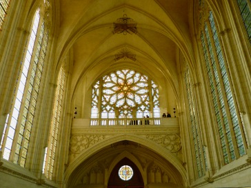 The light and bright interior of the Vincennes chapel