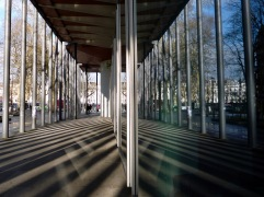 Reflected shadow lines - Paris - March 2018
