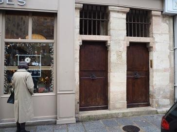 Everyday history - Paris - December