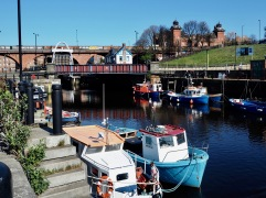 Just beyond the bridge the Ouseburn Barage, built in 2009, is designed to retain water in the smaller river at low tide.